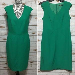 Ellen Tracy Green Sleeveless V Neck Dress